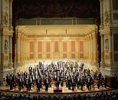 钢琴巨匠携手世界名团 布赫宾德&德累斯顿国家管弦乐团 演绎贝多芬钢琴协奏曲全集(一)